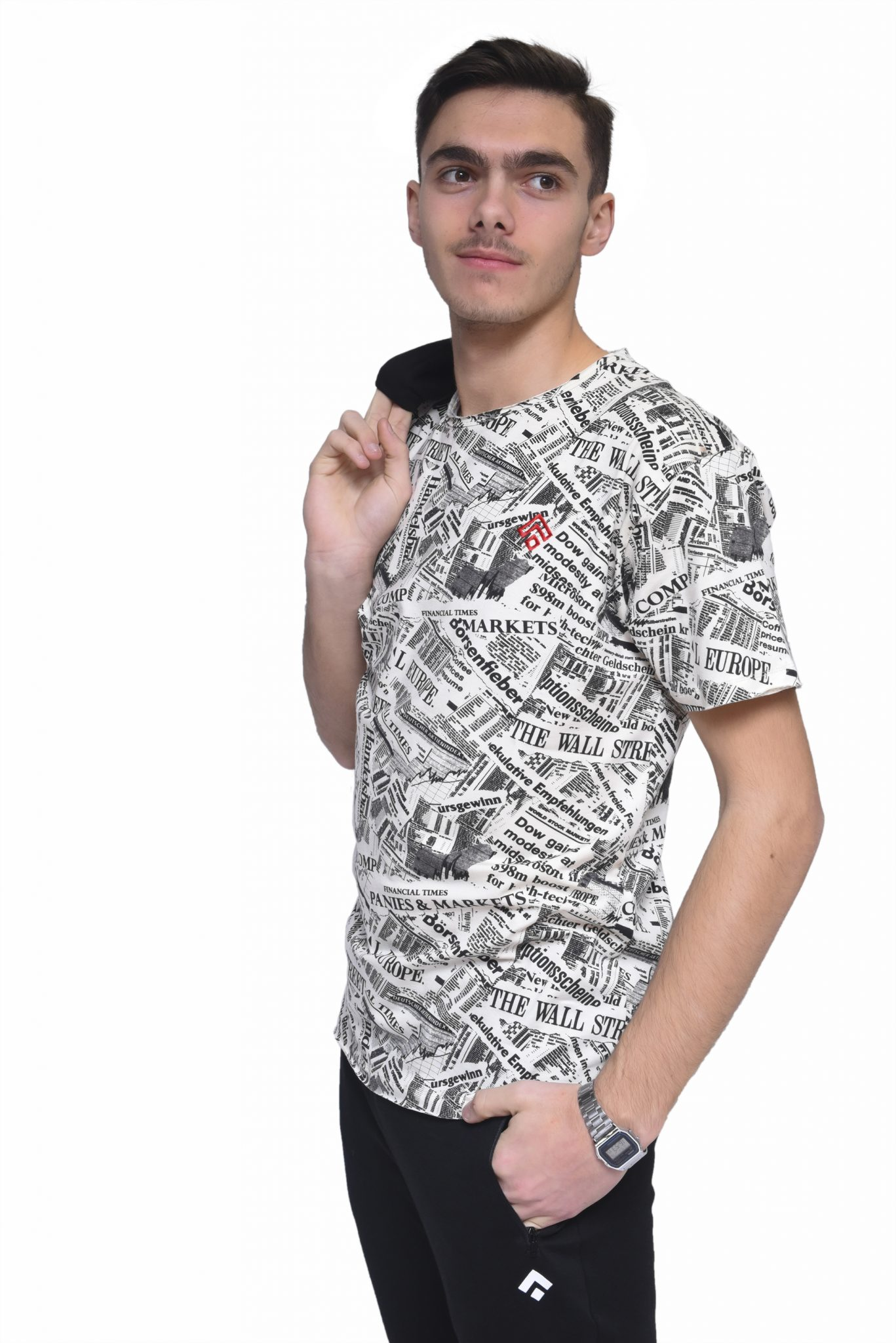 T-Shirt Padrão Jornal Gabrines
