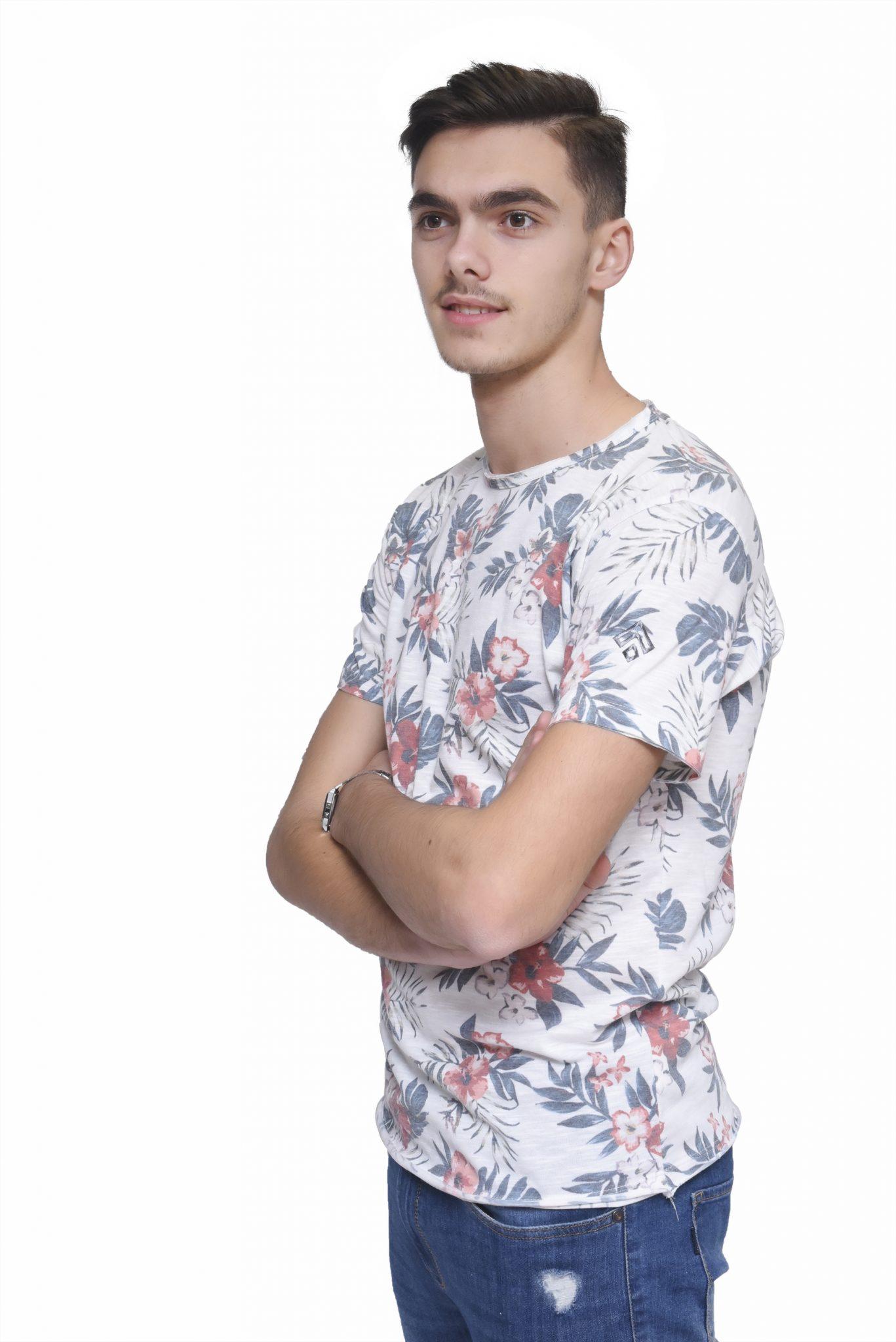 T-Shirt Padrão Flores Gabrines